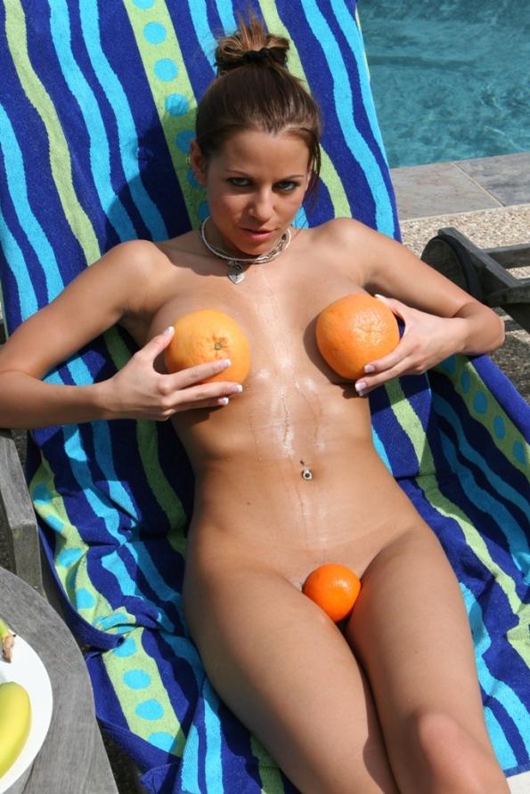 nicole-graves-fruit-16