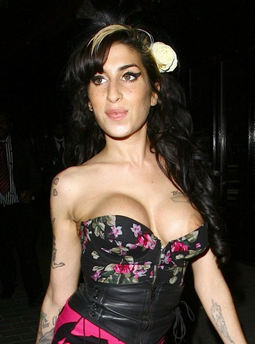 Amy Winehouse Shows Off Her New Breasts